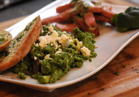 Spinach eggs with avacado and feta