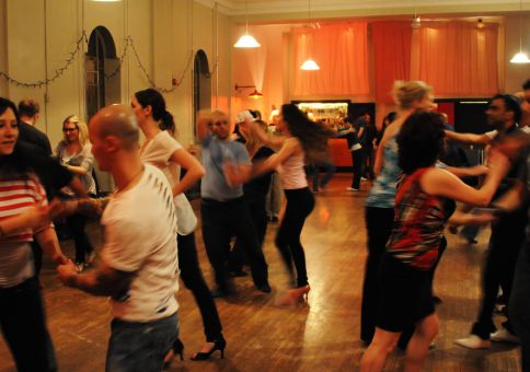 336) Dance the tango