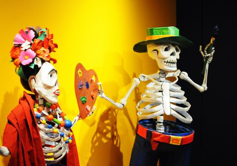 269) Visit a Frida Kahlo exhibition