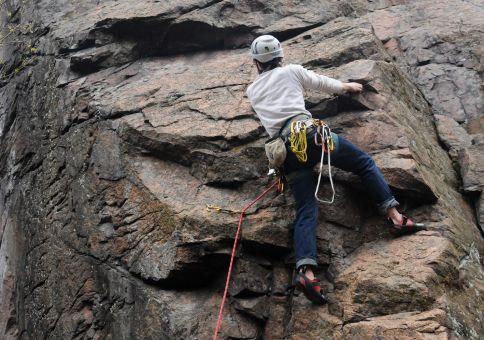 90) Climb lead