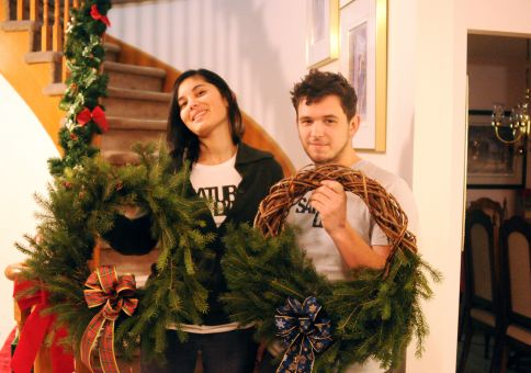322) Make a wreath
