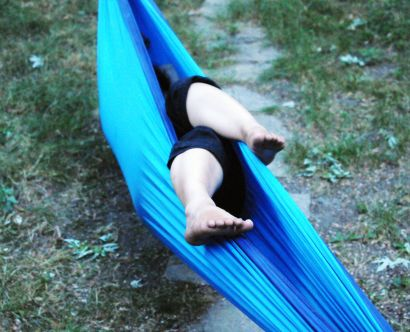 sleepInHammock_05