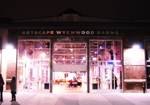 251) Visit Wychwood Barns